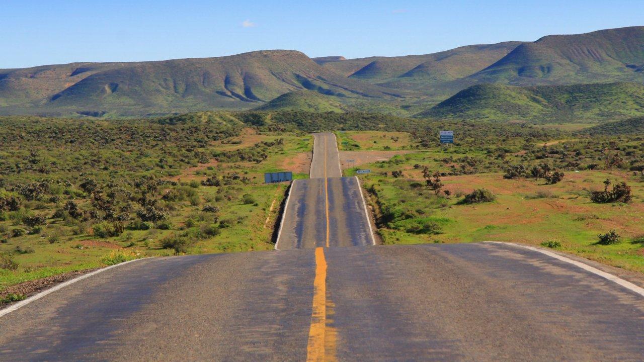 Remote road in Baja California Sur, Mexico