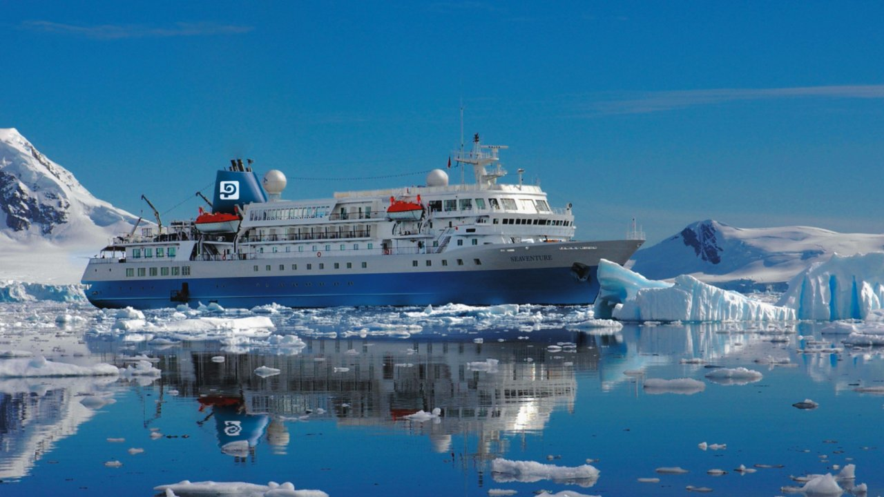antarctica expedition vessel