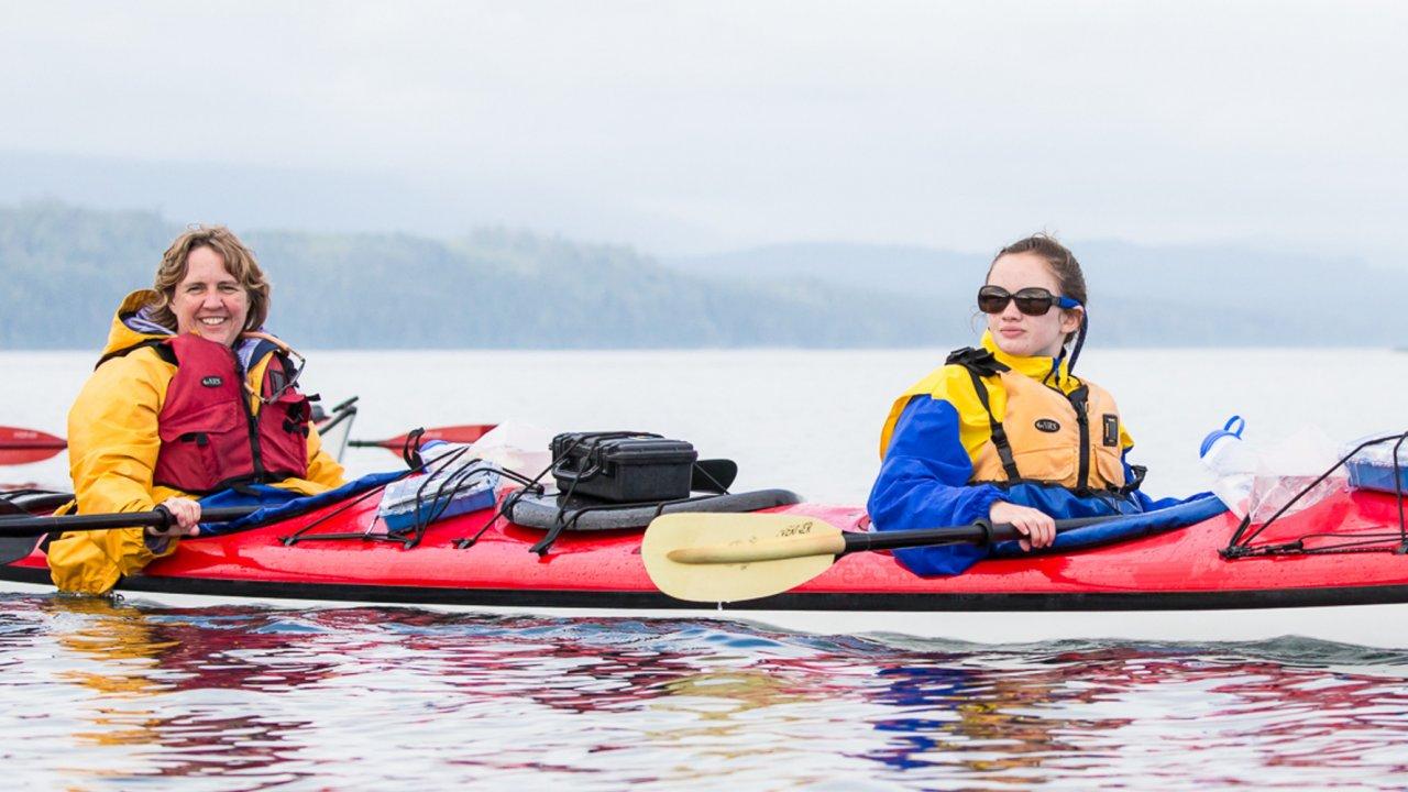 kayak in johnstone strait